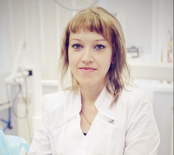 Зубной врач Полякова Ирина Михайловна